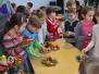 Dr. Szász Pál Magyar Közösségi Ház, Délutáni Oktatás: Szülők és gyerekek közösen karácsonyi asztaldíszt készítenek